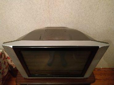 зеркальный телевизор в Азербайджан: Продается телевизор и тумбочка, телевизор в очень хорошем состоянии