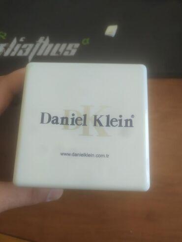 Qara Kişi Qol saatları Daniel Klein