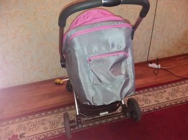 Коляски - Кыргызстан: Детская коляска б/У, состояние нового. В подарок: ходунки