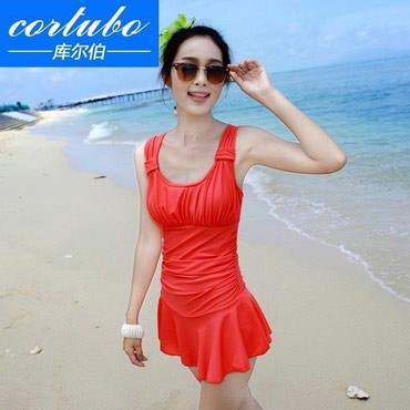 Купальник-48-размер - Кыргызстан: Классическое купальное платье новое размер 48-50.К преимуществам