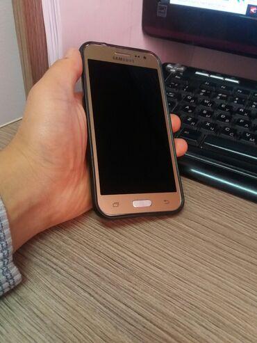 Б/у Samsung J210 8 ГБ Золотой