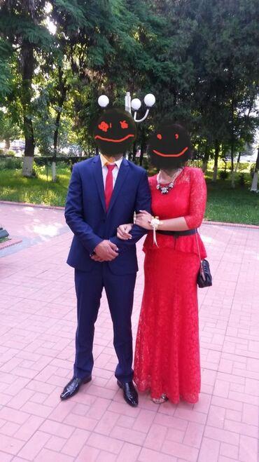 Продается вечернее платье красного цвета. Платье ажурное с подкладом