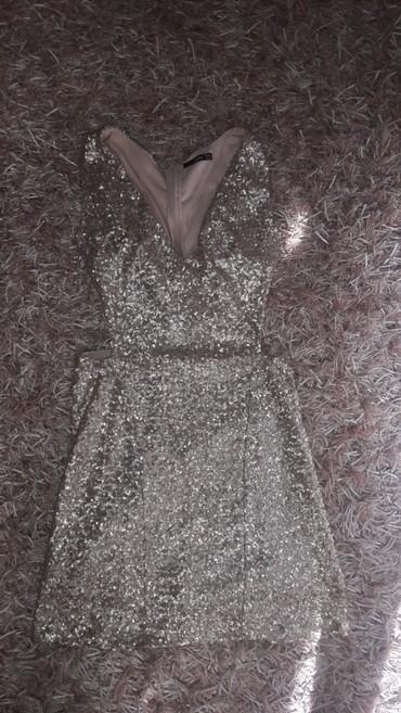 Jednom nosena haljina zlatne bojee savrsenaa velicina L. - Kraljevo