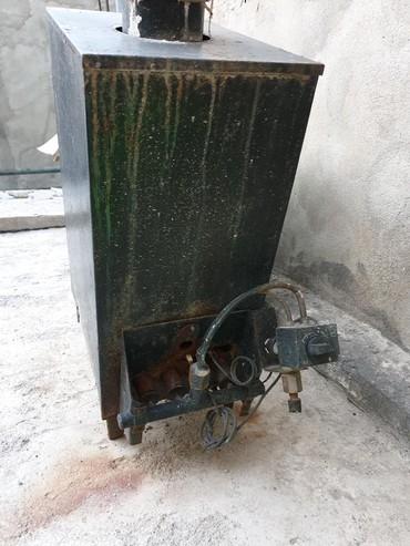 Продаю газовый отопительный котёл!рассчитан на 100 кв.м.4-х рожковый
