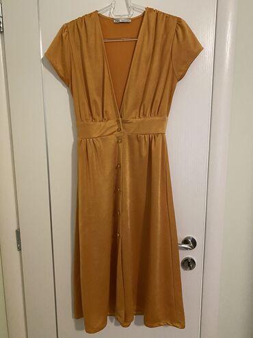 Φόρεμα με ντεκολτέ ZARA. Υπέροχο σε υφή και χρώμα