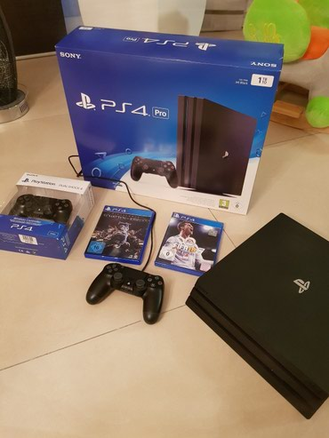 PlayStation 4 Pro 1TB, 2 Controller and 5 free games of your choice  σε Αθήνα