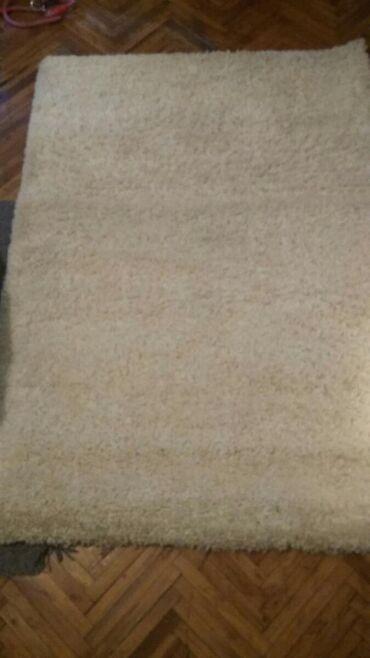 Kućni dekor - Srbija: Prodajem čupavi beli tepih dimenzije 175x120