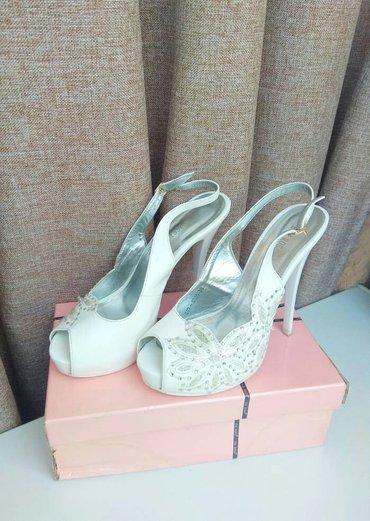 Продаю свадебные белые туфли на в Бишкек