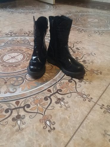 стильные женские сабо в Кыргызстан: Сапоги женские, зимние производство: Турция. 34 размер