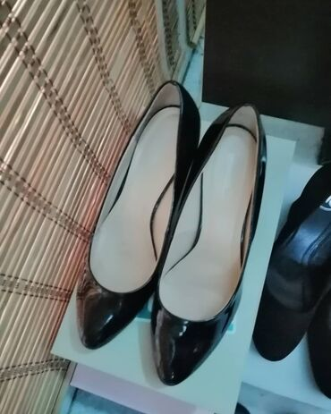 Nova obuća roze salonke 37 38 41,crne 38 39,bele patike crne patike