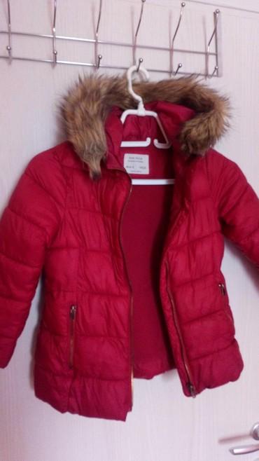 Oko stvari mix musko zenski prva klasa - Srbija: Odlična Zara jakna, veličina 6,očuvana i bez oštećenja. Jako lagana, a