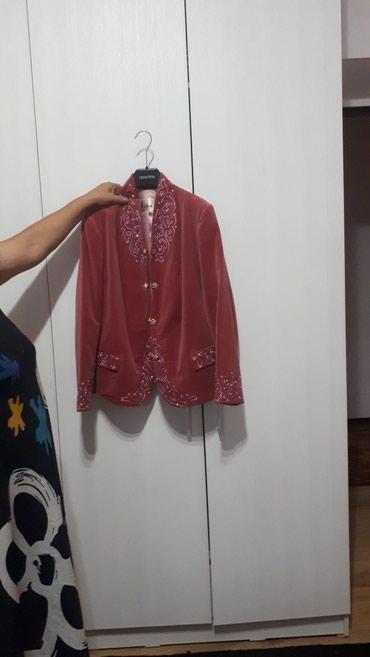 Продаю костюм, заказывали Assol, брали дорого пару раз одевали в Бишкек