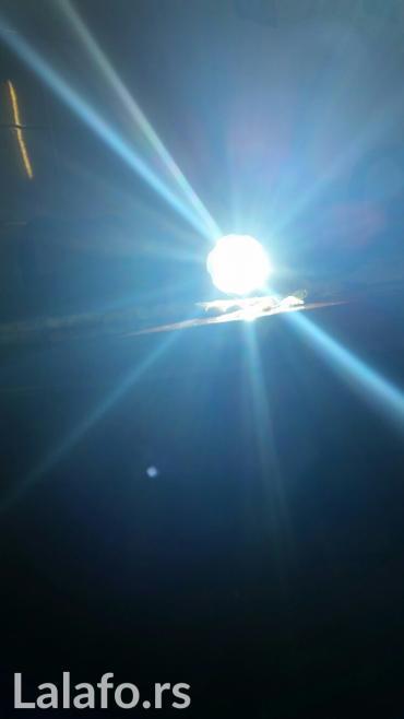 Nova lampa  bas jaka,baca daleko od 700 metara do 1km,a ima i zum tako - Belgrade