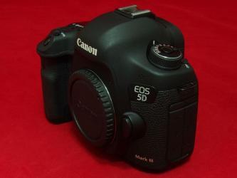 canon eos 5d mark ii в Азербайджан: Canon eos 5D mark III probeg 10k sekil cekib. hec bir problemi