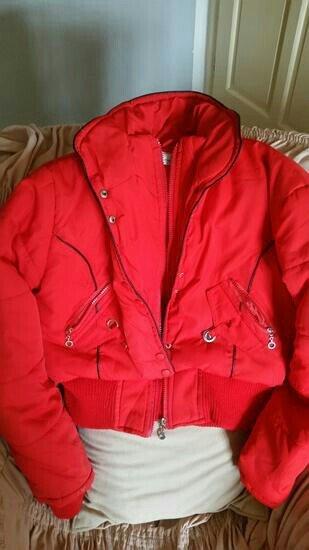 Zimska jakna kraca,l velicina,ima ranflu na rukavima i oko - Nis