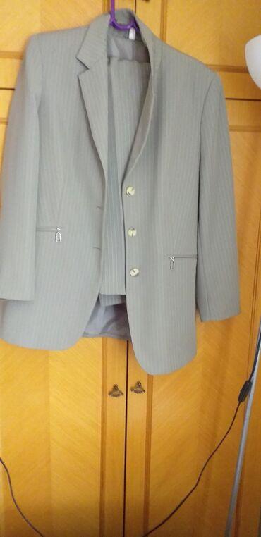 Novi sako i pantalone odlicnog kvaliteta.Jednom obuceni