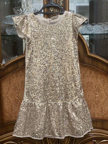 детские обувь в Кыргызстан: Платье Н&М шикарное на 7-8 лет. Надевала всего один раз. Покупали