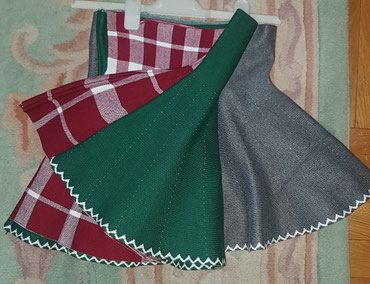 Prelepa siva, maslinasto zelena i bordo bela karirana suknja, u struku - Belgrade