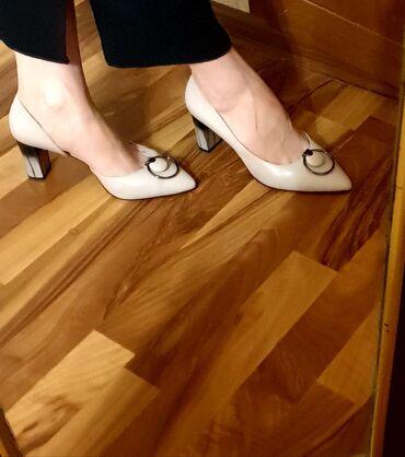 Женская обувь в Джалал-Абад: ПРОДАЮ НОВЫЕ ТУФЛИ ИЗ НАТУРАЛЬНОЙ КОЖИ 39 РАЗМЕРА.Брала намного