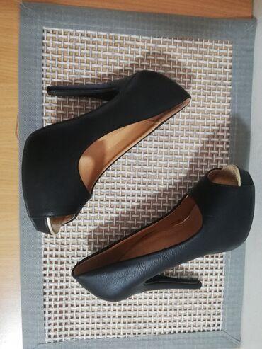 Nove salonke,cipele na štiklu(13cm),i platformom napred(2cm),jako