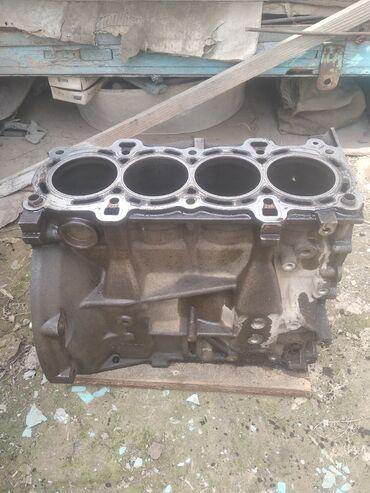 автозапчасти на форд фокус 1 в Кыргызстан: Блок на форд фокус об 1, 6 мотор зетек, есть царапины можно гильза нут