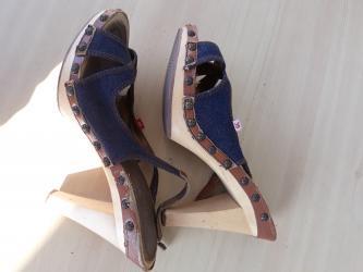 Talijanske sandale, broj 38,kombinacija drveta i teksasa, kvalitetne, - Belgrade