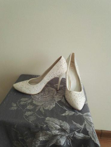 Женская обувь. стразы. размер 40. маломерки. носили только один раз. в Бишкек