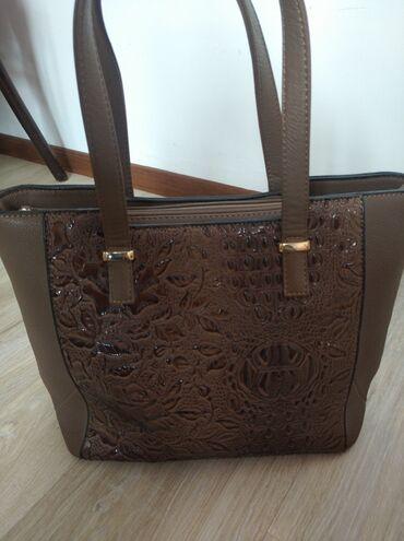 Личные вещи - Ала-Тоо: Продаю сумку покупала за 700 сом продаю 400с. Носила несколько раз