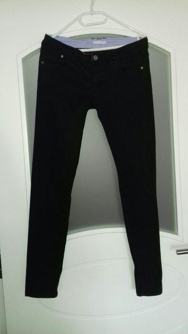 Crne teranova pantalone velicina M u dobrom stanju.Poluobim struka - Smederevo