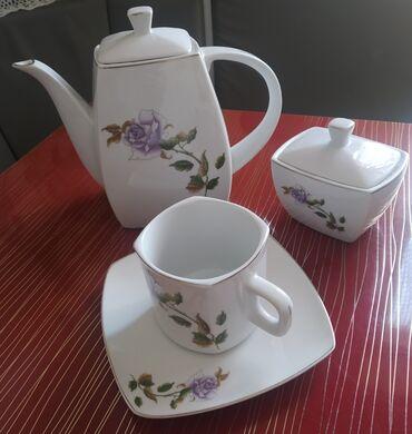 352 объявлений: Чайный набор: чайник,сахарница,6 кружек,6 блюдец