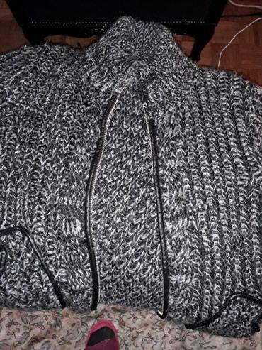 Dzemper vuna viskoza i axrilik broj l kao novo - Crvenka