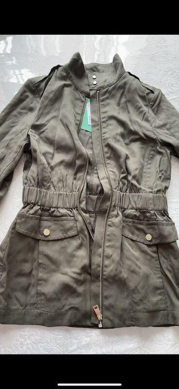 Легкая курточка hm размер xs