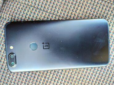 OnePlus - Кыргызстан: OnePlus 5T (состояние 8+ из 10) опр 8гб 128Все работает но есть изьян
