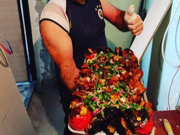 - Azərbaycan: Bag Evlerine Sifarishle gelib her nov kabablarin cekilmesi Ad gunleri