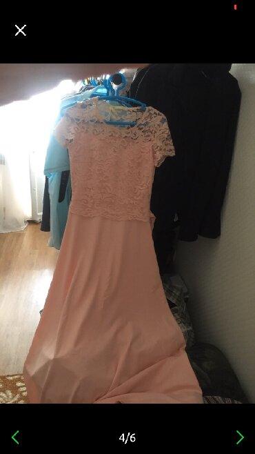Продаю платья новое
