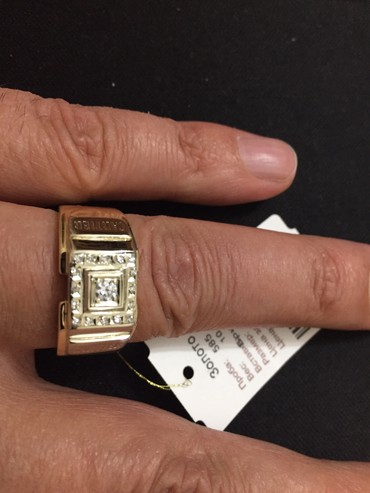 цена золота за грамм в Кыргызстан: Срочная цена! Мужской золотой перстень с бриллиантами. Перстень новый