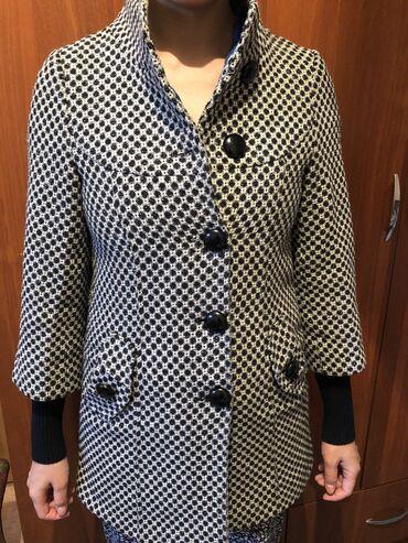 Весеннее пальто б/у стойка воротник рабочие пуговицы, с карманами длин