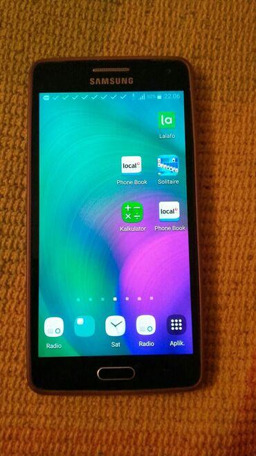 Samsung A5 u odlicnom stanju.menjam za veci zbog loseg vida.inace je