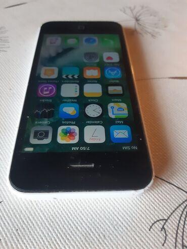Apple Iphone - Novi Sad: IPhone 5c u odlicnom stanju. Telefon je najpopularnijeg brenda IPhone
