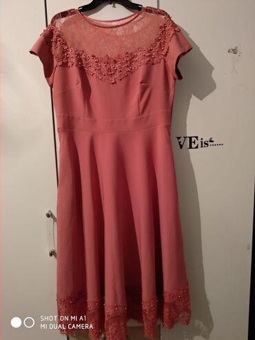Платья - Джалал-Абад: Платье ниже колен можно как на повседневку или как нарядное состояние