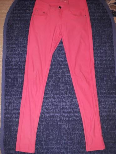 Roze pantalone sa elastinom odgovaraju veličini s i m - 700din, bele - Belgrade