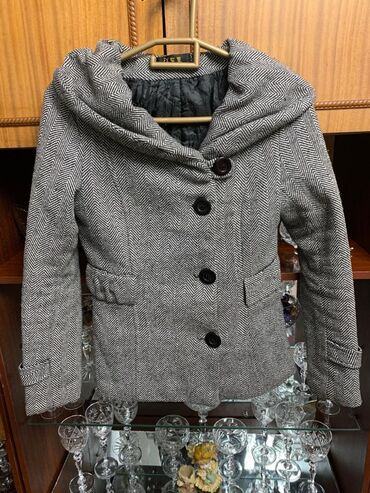 жен пальто в Кыргызстан: Пальто женское размер S