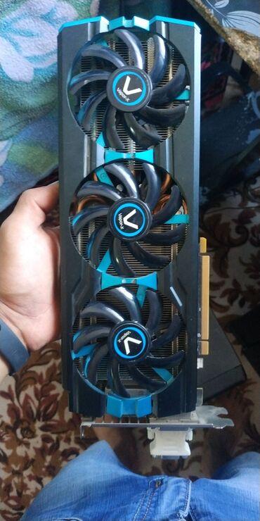 Компьютеры, ноутбуки и планшеты в Токмак: Продаю AMD Radeon R9 280X ddr5 3GB 1000MHz