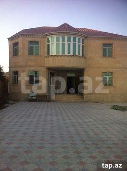 Bakı şəhərində Mehdabad qesebesinde ela temirli 2 mertebeli 7 sotda tikilen 7 otaqlı