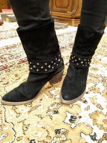 Итальянская обувь. Натуральный замшРазмер 40Цвет черныйОчень
