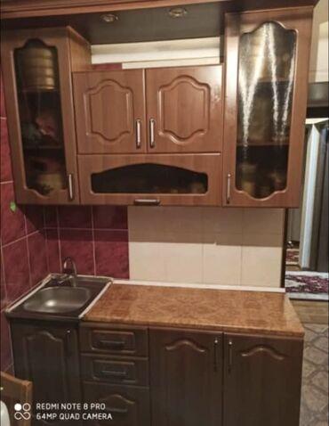 продам кухонный стол in Кыргызстан | СТОЛЫ: Срочно продаётся Кухонный гарнитура и столь со стульями