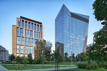 Cox seviyyeli 11 mertebeli business center binasina muhafizeci bey в Bakı