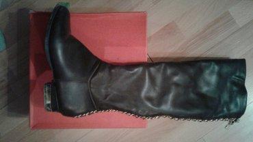 Продаю женские сапоги б/у. размер 37-37,5. в Бишкек