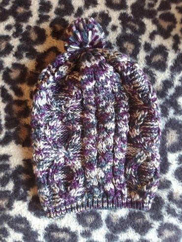 Новая шапка.шерстянная вязка. в Бишкек