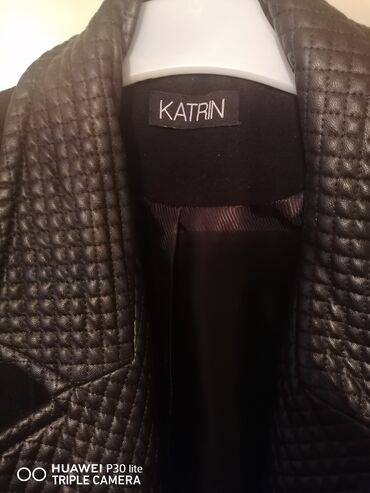 Merona mantil xl - Srbija: Prodajem crni ketrin kaputić do kolena. Skoro nov, očuvan nošen 2